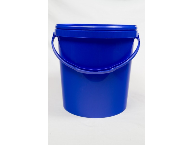 PP bucket with lid 20 l
